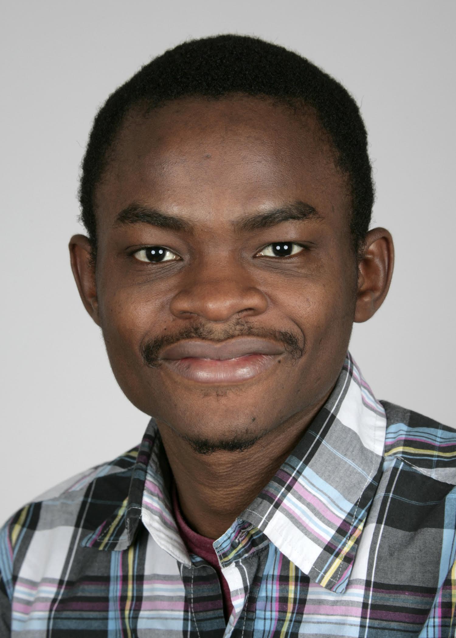 Photo of Dr Pelumi Oluqasanya