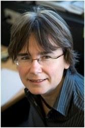 Dr Erika  Eiser