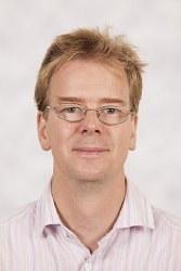 Dr Oliver  Hadeler