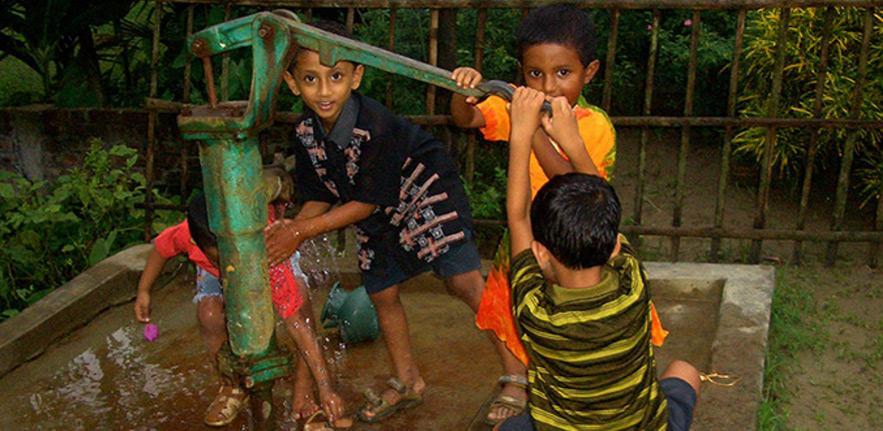 children water pump 883x433